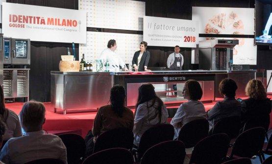 Sul palco con la presentatrice Francesca Barberini