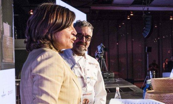 Catia e Mauro Uliassi sul palco di Identità Milan