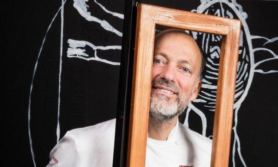 Moreno Cedroni sarà protagonista, il prossimo 21 maggio, di una cena super sold out organizzata a Milano da Identità Golose, ospite di Cesare Battisti del Ratanà (foto Brambilla Serrani)