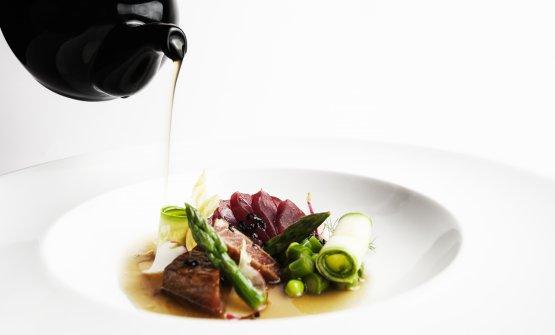 Shabu shabu di tonno in consommè di carne Orienta