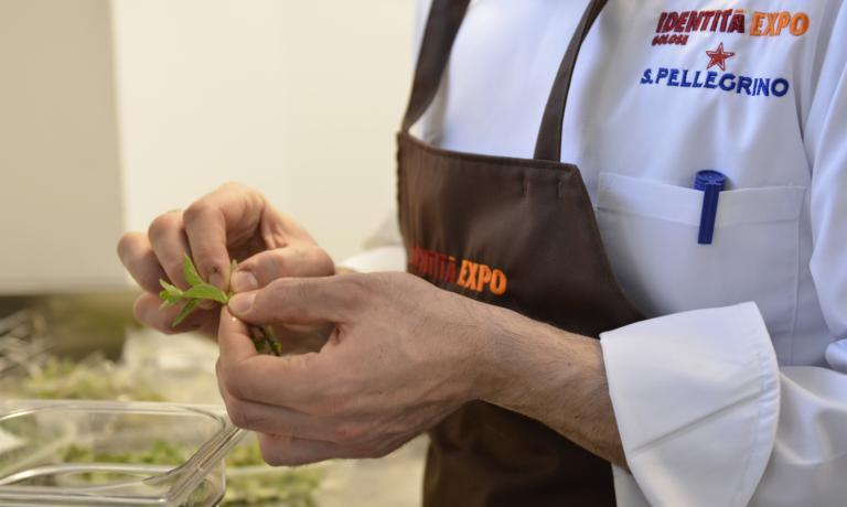 Grandi chef e piccoli prezzi, con le offerte targate Identit� Expo nel mese di agosto.�� possibile prenotaremandando una mail al seguente indirizzo: expo@magentabureau.it. Tel: +39.02.62012701