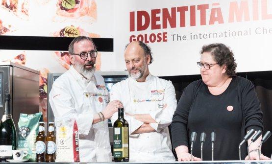 Gran finale,salgono sul palco alcuni chef amici di Norbert: Moreno Cedroni, Valeria Piccini...
