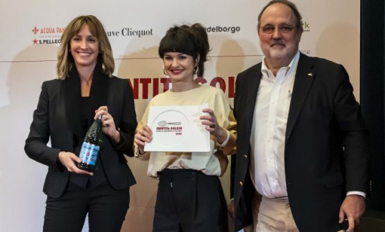PremioLA MIGLIORE CHEF, offerto daS.Pellegrino - Camilla Cancellieri, Brand Manager Acqua Panna – S.Pellegrino  CHIARA PAVAN - VENISSA – VENEZIA