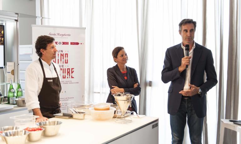 DiegoMuñoz con Cinzia Benzi e l'ad di Santa Magherita, Ettore Nicoletto