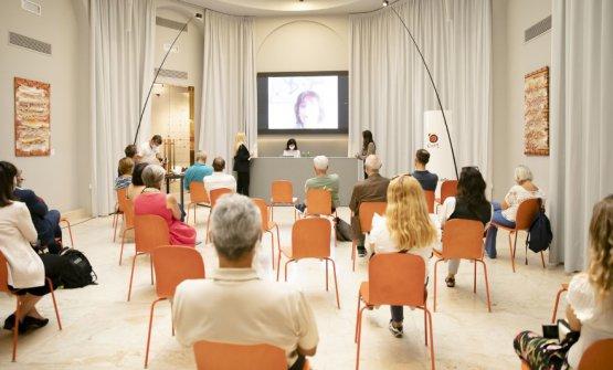 La presentazione nell'Hub di via Romagnosi