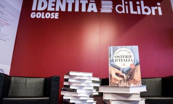 La neotrattoria e la new ancient cuisine. Un dibattito conMassimiliano Tonelli(Gambero Rosso),Eugenio Signoroni(Osterie d'Italia, Slow Food Editore)eMarco Bolasco(Ristoranti da Scoprire, Giunti Editore)