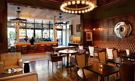 Una delle sale dedicate alla ristorazione dell'hotel di Barcellona