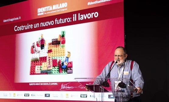 Paolo Marchi in apertura dei lavori di Identità M