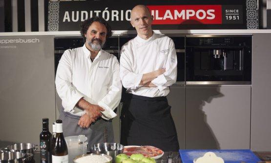 Marco Stabile con Federico Vannini sul palco diPeixe em Lisboa