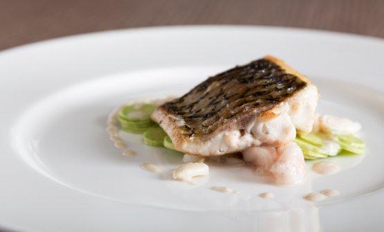 Un altro piatto lacustre di Lopriore:Cavedano con le zucchine, «e con un po' di midollo perché voglio far capire cosa sia veramente una materia grassa, dato che tutti pensano che il pesce di lago sia grasso...»