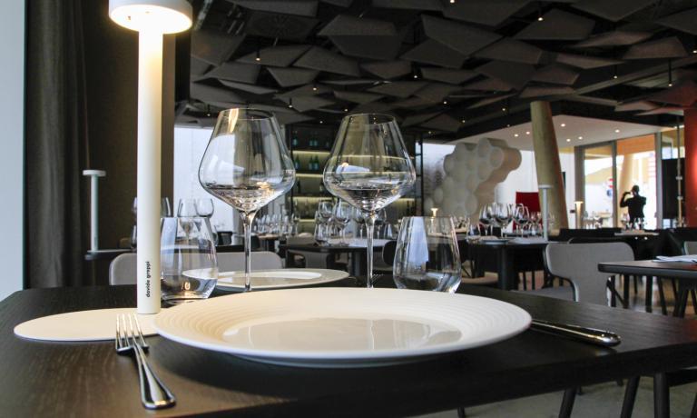 Un dettaglio di uno dei tanti tavoli del ristorante di Identità Expo (foto Brambilla/Serrani)