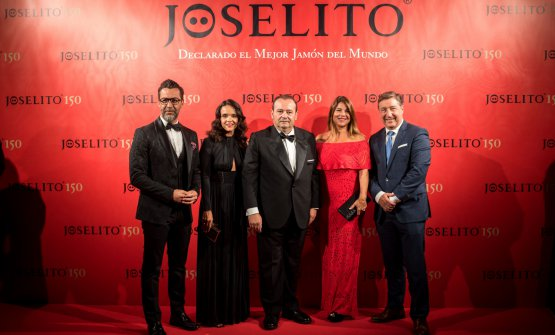 José Gómez with Quique Dacosta and Joan Roca (and their wives) for the 150'th anniversary of Joselito