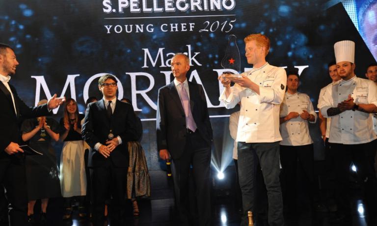 Il vincitore del S.Pellegrino Young Chef 2015 Mark Moriarty sul palco della finale