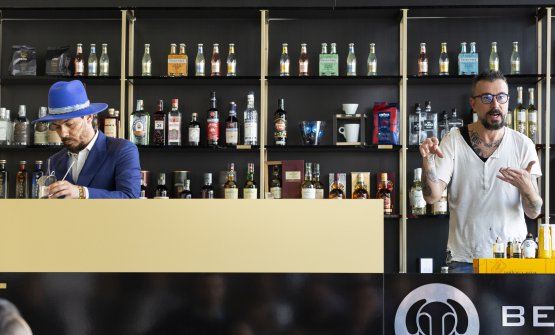 Beppe Mancini, bartenderDiageo,e Oscar Quagliarini, ora alLe GaragistediParigi