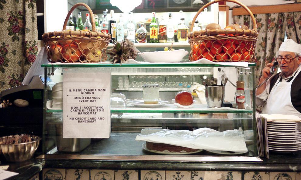 La Latteria San Marcodi Arturo Maggi, insegna storica della vecchia Milanoadorata da Maddalena Fossati, neo-direttore de La Cucina Italiana e autrice dellapanoramica meneghina per la Guida di Identità 2018 (fotothechicfish.com)