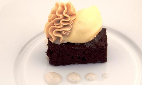 Royal Beer Brownie by Luca Caviola. Born in 1992, he's the sous-chef at Hotel Gran Mugon's restaurant L' Chimpl da Tamion in Vigo di Fassa (Trento) and one of the 10 finalists of the third edition of Premio Birra Moretti Grand Cru – the finals took place in Rome in November