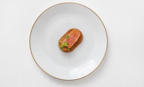 Stefano Baiocco -Trota marinata «Un doveroso omaggio al pesce di lago, trattato in modo molto naturale, marinato, leggermente sgrassato al palato con una punta di salsa ponzu»