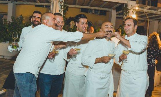 I cuochi scherzano dopo la cena di gala(foto Marco Albanelli)
