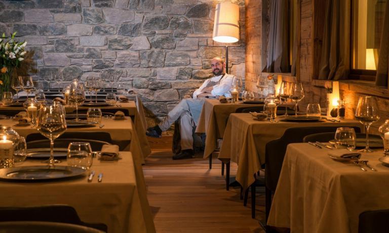 Lo chef Federico Zanasi nella sala dedicata alle cene gourmet