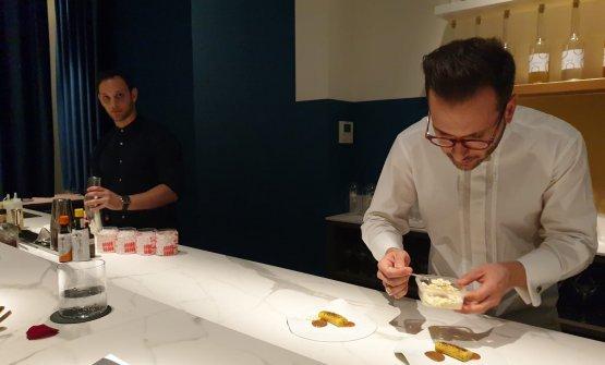 Ha aperto a Milano Dessert Bar, un bancone con degustazione di soli dolci