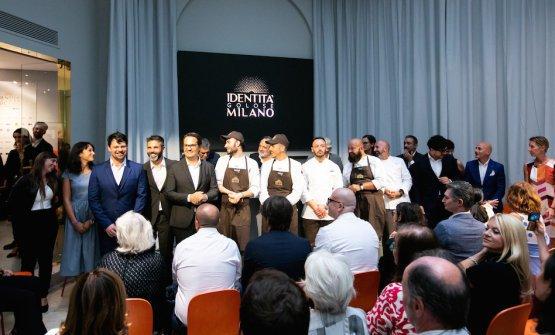 La festa alla conferenza stampa del giorno 1 diIdentità Golose Milano,il primoHub Internazionale della Gastronomia,una grande vetrina euna finestra aperta sul mondo in via Romagnosi 3, nel centro di Milano