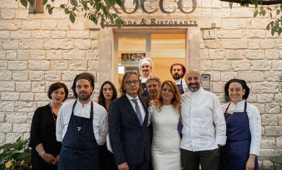 Foto di gruppo allaLocanda Rocco, ristorante/hot