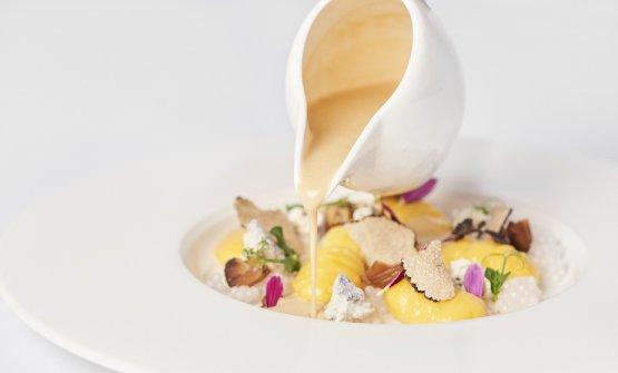 Gnocchi di patate e pasta secca con fonduta al