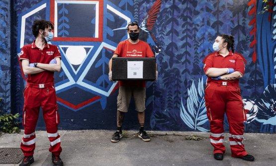 Quei bravi ragazzi, l'Italia che aiuta. La Croce Rossa nei giorni del Covid-19