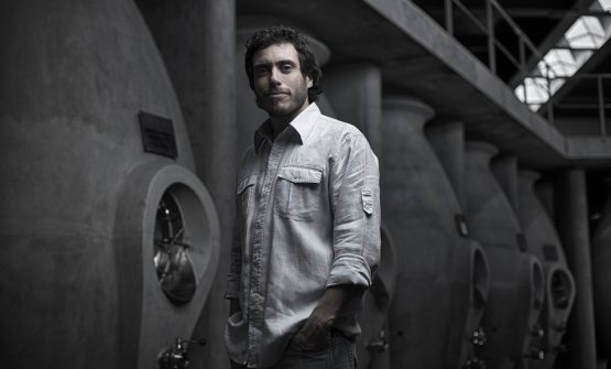 Sebastián Zuccardi and the cement tanks designed by himself. It took him six years of work and research with his team of agronomists to design these tanks, under the Zuccardi patent