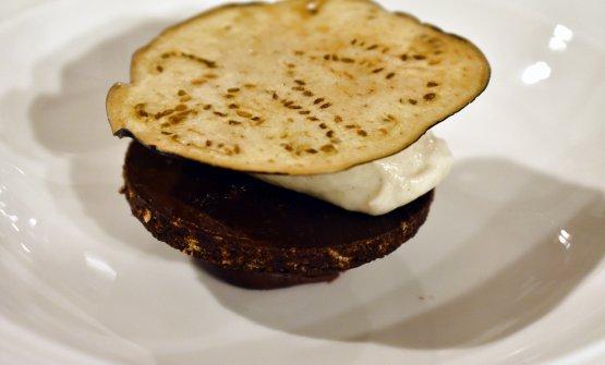 Tim Butler: Ganache di cioccolato, galletta di cereali e cioccolato, crema pasticcera alla melanzana affumicata, melanzana fritta