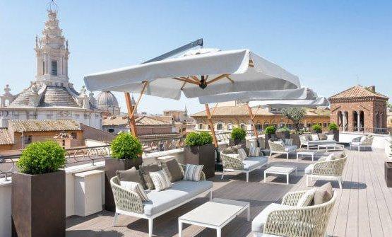 La terrazza del Pantheon Iconic Hotel. Nuova destinazione per Apreda?