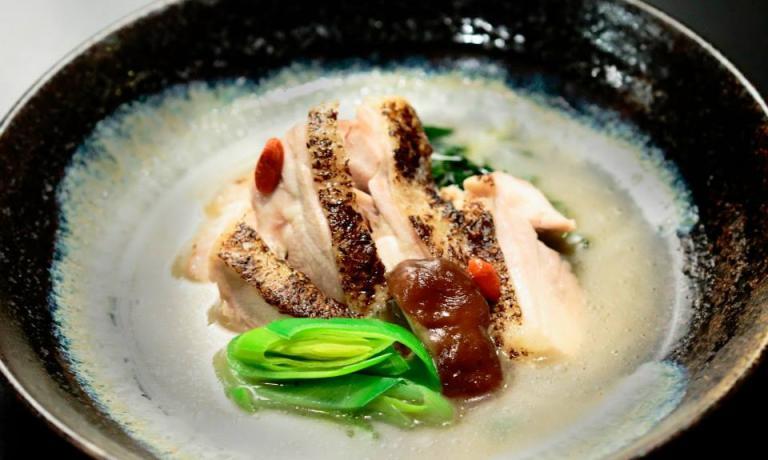Pollo cotto al vapore nel sakè, da Osaka