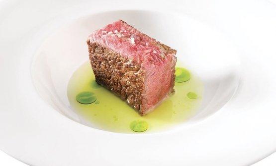 Rib steak in brothfromRiccardo Camanini: this is new the emblem dish ofIdentità Golose 2020, replacing the one initially meant for March,Corrado Assenza'sCassata alla siciliana. The photo is fromBrambilla-Serrani