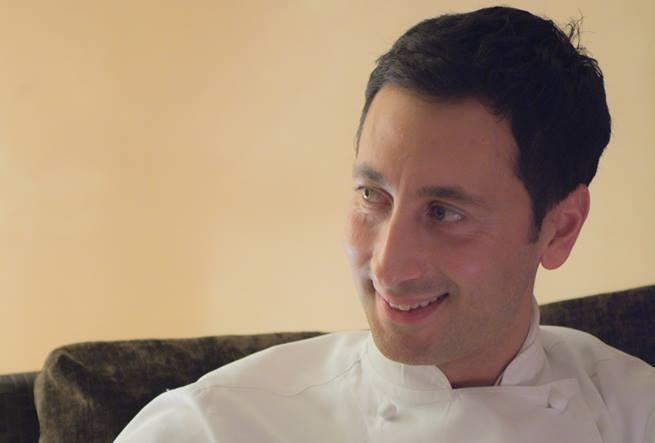 Due imperdibili pranzi per aprire la settimana: lo chef pugliese Fabio Abbattista, di stanza a�L'Albereta, porter� a Identit� Expo la sua passione per l'eccellenza della materia prima, per la tradizione gastronomica italiana, per la stagionalit� degli ingredienti. Per assaggiare i suoi piatti�� possibile prenotarsi (il costo � di 75 euro per quattro portate vini compresi) mandando una mail a expo@magentabureau.it o telefonando al +39 02 62012701