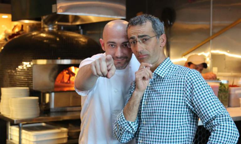 Maico Campilongo, a destra, con lo chef pugliese K