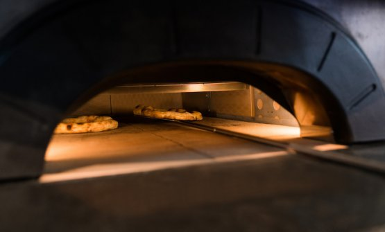 La pizza ai quattro fiordilatte di Gino Sorbillo, cotta su Neapolis a Sigep 2018
