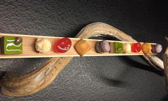 Cinque delizie di piccola pasticceria, omaggio alla pasticceria francese