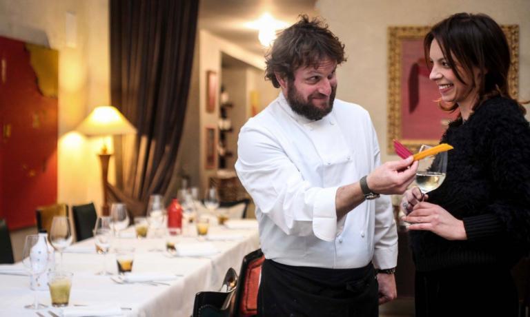 Lo chef Antonio Scalera insieme allamaître-sommelier Francesca Mosele