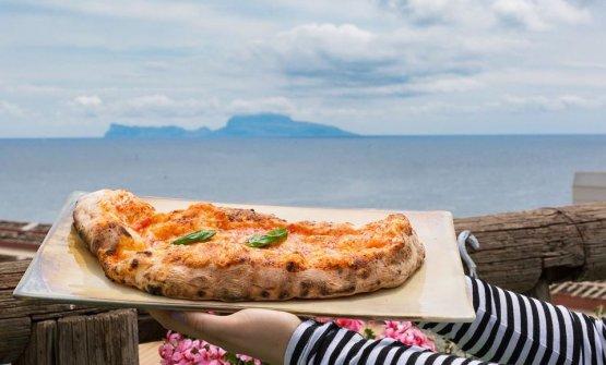 Pizza con vista a Pozzuoli