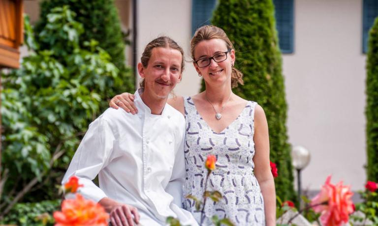 Martin Obermarzoner con sua moglieMarlies, che gestisce sala e cantina