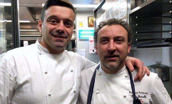 Alfonso Crisci (a sinistra), con il collega Lino Scarallodi Palazzo Petrucci, Napoli (foto La Cuoca Galante)