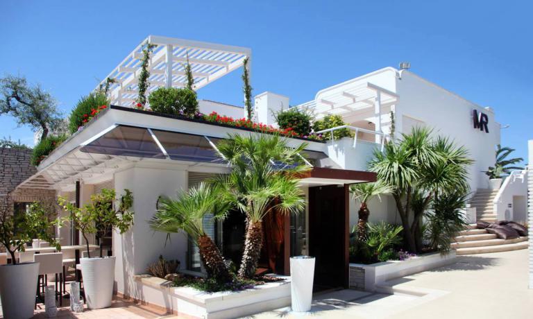 Il Memory Resort è in via Pan. Umberto Paternostro, 239 aBisceglie, telefono +39.080.398.01.49