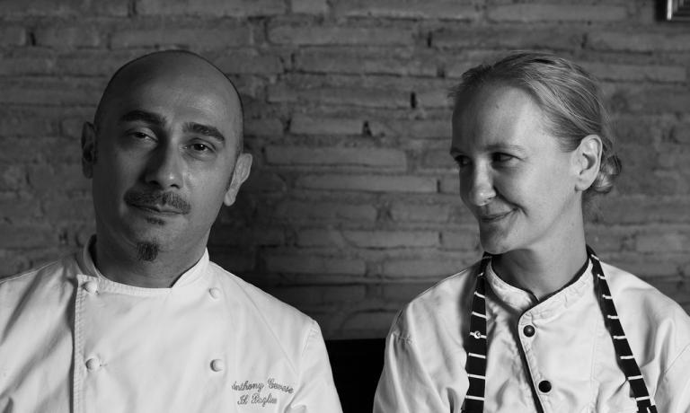 Anthony con la sua compagna, pasticcera del Pagliaccio, Marion Lichtle