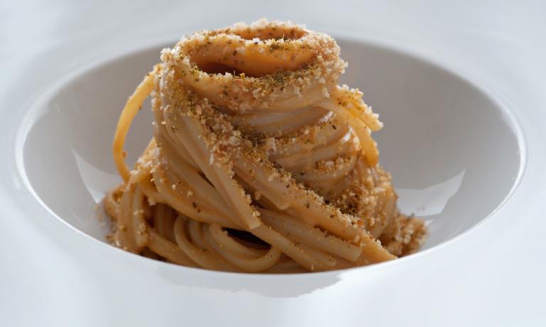 La Spremuta di Sicilia, piatto simbolo della Gazza Ladra di Modica (Rg), +39.0932.755655,�chef Accursio Craparo
