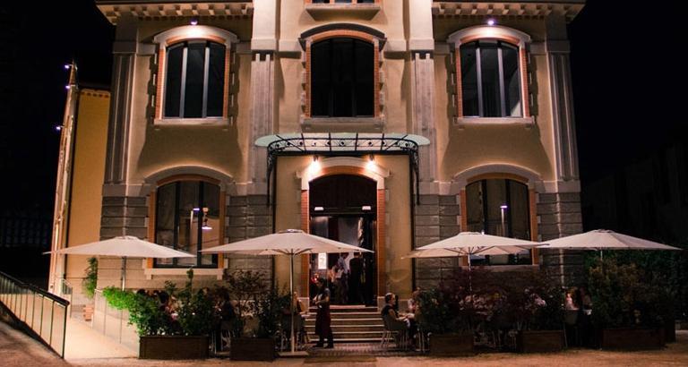 Il belllissimo dehors del Ratan�, nel cuore del quartiere Isola, ci permette di introdure la nostra selezione dei migliori ristoranti di questo affascinante spicchio di Milano