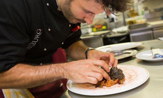 Baroni è alristoranteHaselburgdal 2015. Prima, esperienzein Australia, in Inghilterra, sul Lago di Garda, in Svizzera e nelle cucine stellate del ristorante Sissi di Merano e del Bad Schörgau in Val Sarentino