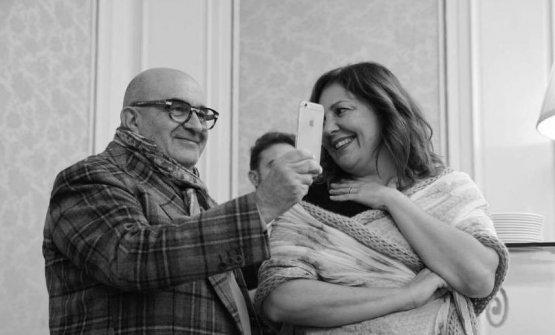 Franco Virga con la compagna Stefania Milano nella bella foto di Salvo Mancuso