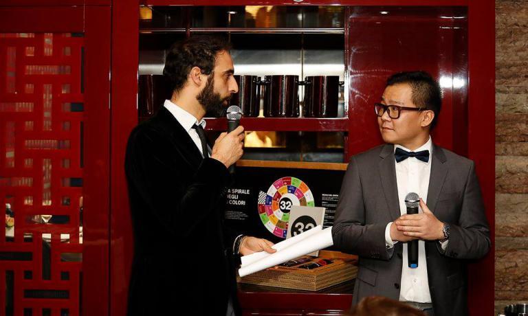Francesco Boggio Ferrarisinsieme a Le Zhang, figlio dello chef e responsabile della sala di Bon Wei