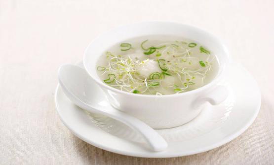 Zuppa di branzino e zenzero