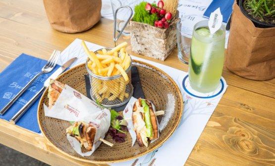 Il club sandwich ideato da Enrico Bartolini, per Belvedere Vodka, col suo cocktail abbinato